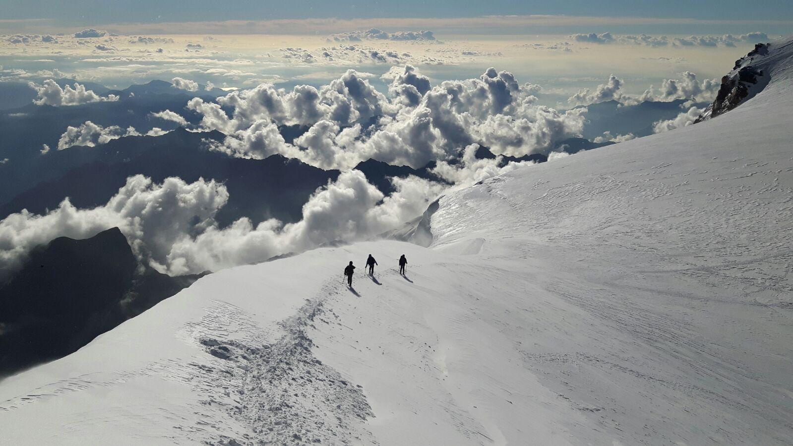 Acensión al ZUMSTEIN (MONTE ROSA) 4.563 mts. y PUNTA GNIFETTI 4.554 mts.