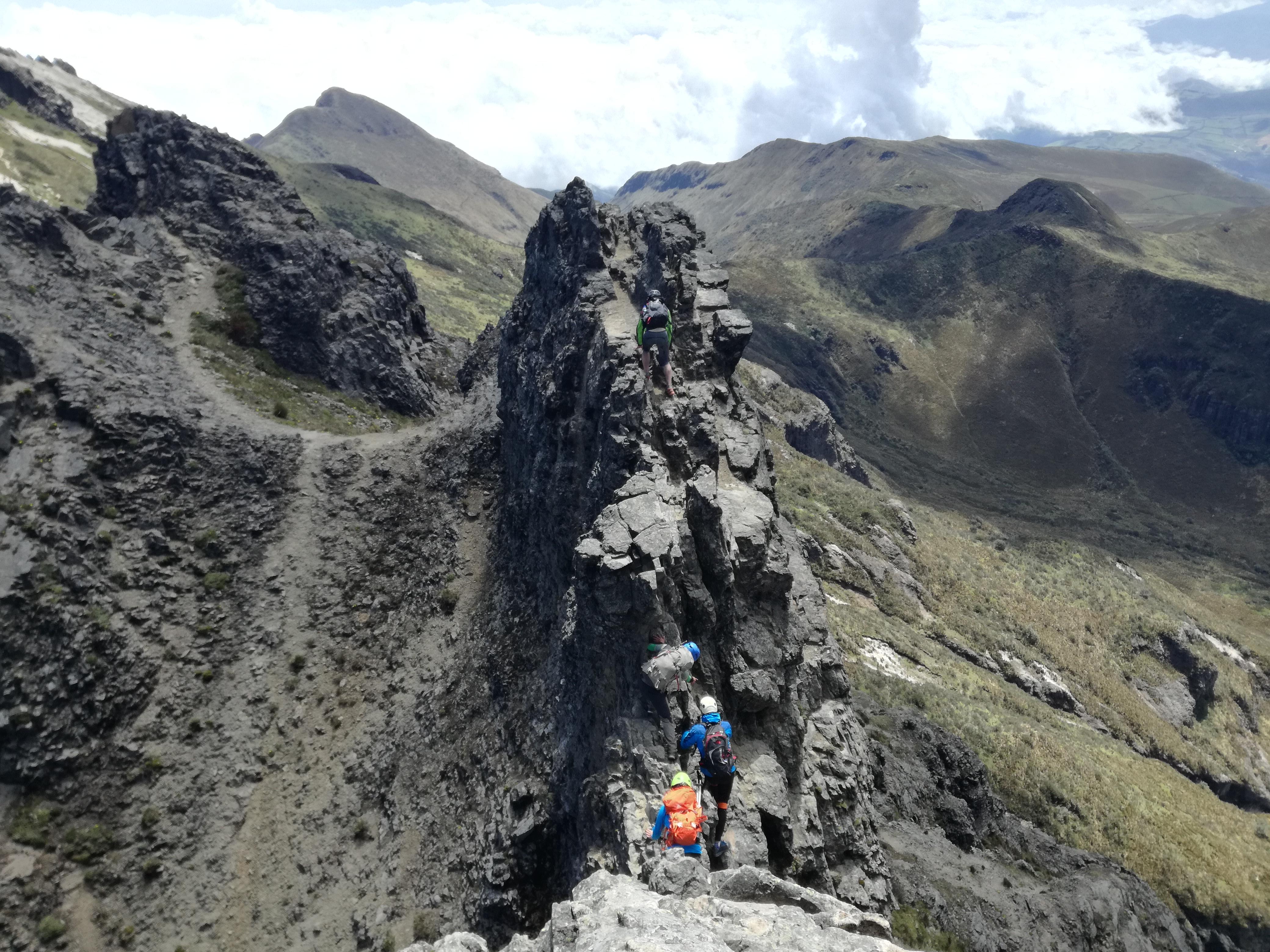 Seguimos aclimatando. Arista al Ruco Pichincha 4720 mts.