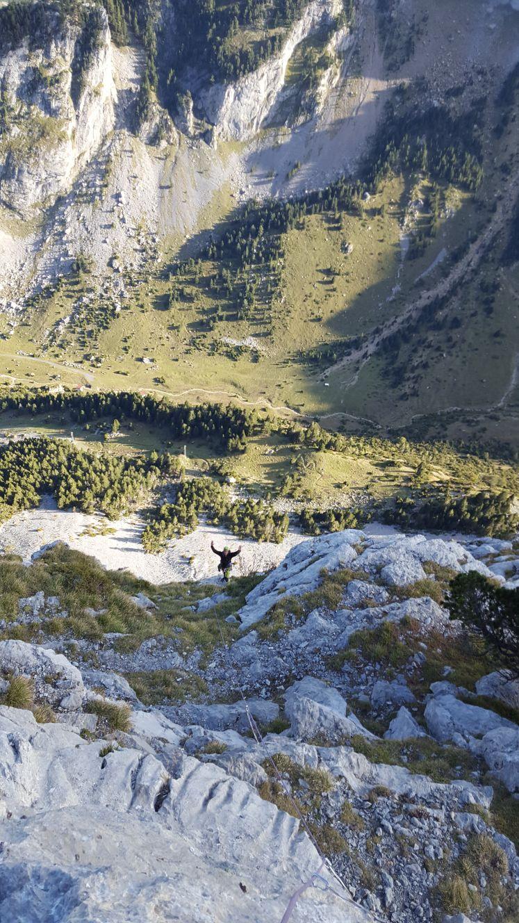 Vía Torrijo (375m, 6b, V/A0 obligado). Pico Tobazo (Candanchu)