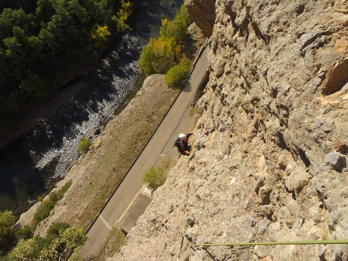 Chimenea Pallars 110 metros (6b). El Trident (Collegats)