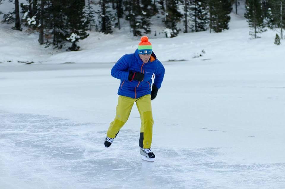 Patinar sobre hielo en el Ibón de Plan. Pirineo Aragonés. (Consejos—Seguridad).