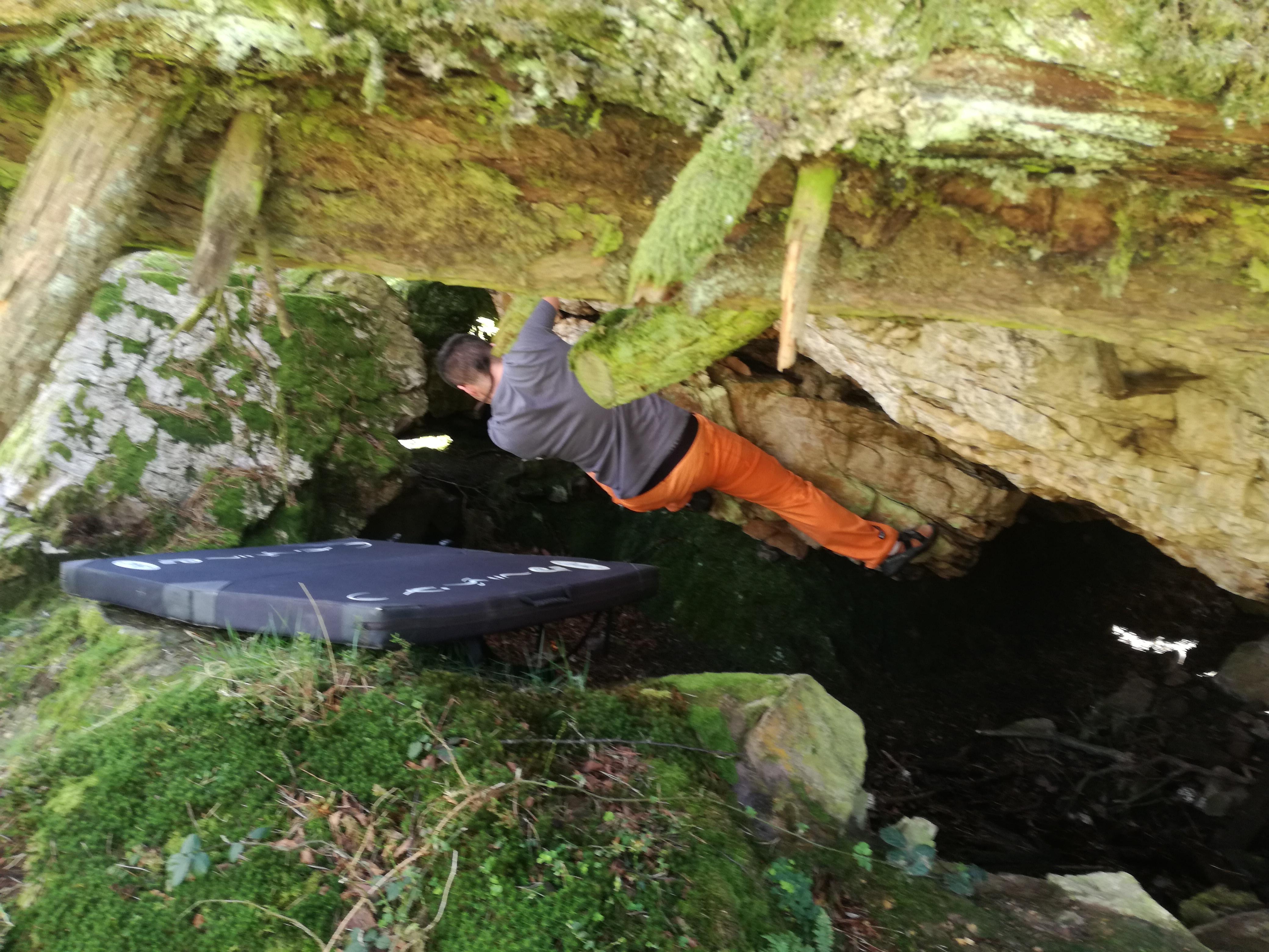 Boulder en el Mirador del Fitu (Bloque en Asturias)