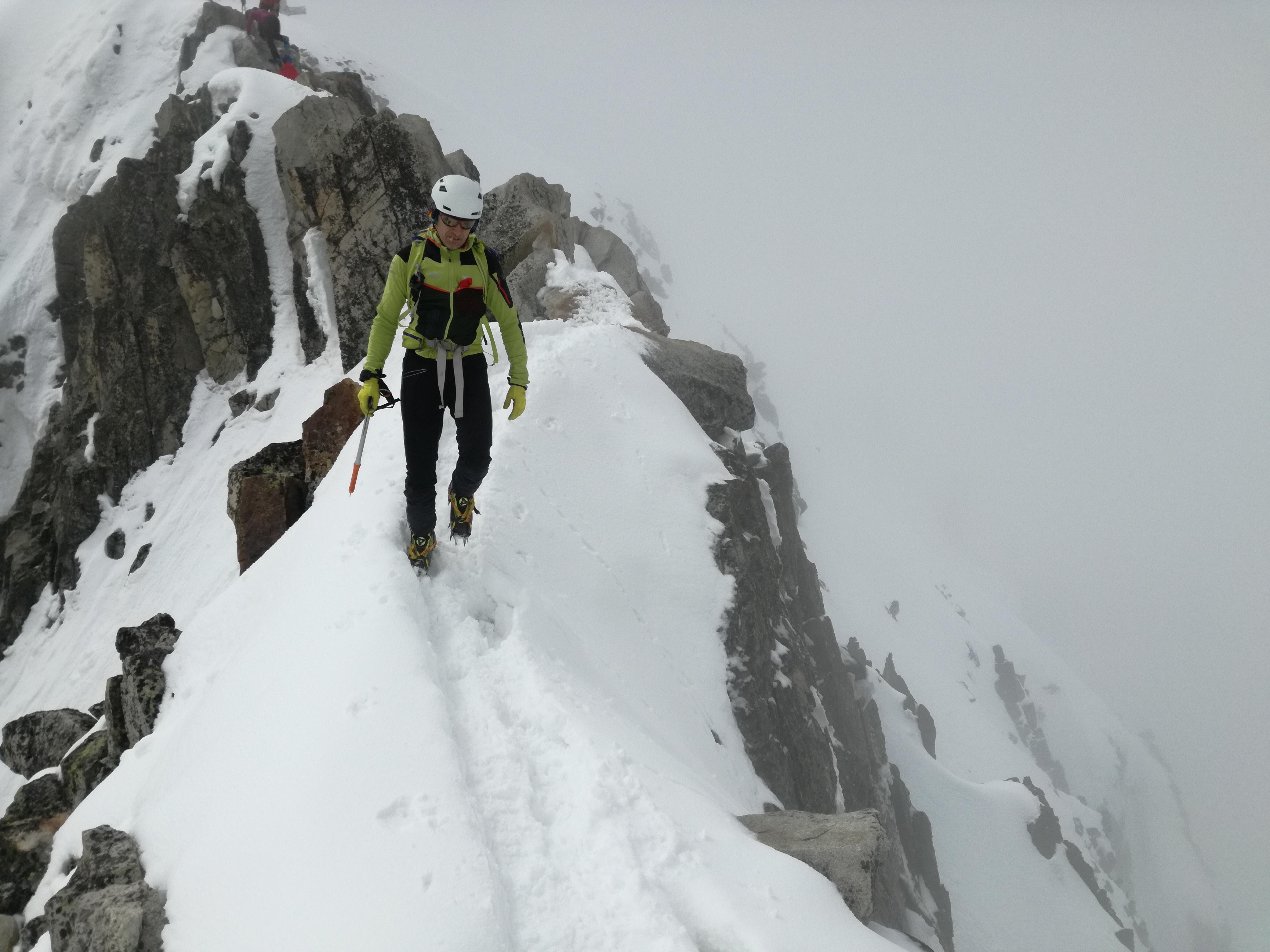 Aneto (3404 mts.) con esquís. Desde lago del Plan de Están.